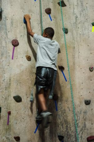 Indoor-Rock-Climbing-10