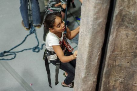 Indoor-Rock-Climbing-12