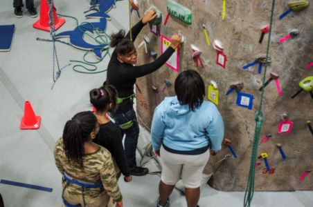 Indoor-Rock-Climbing-14