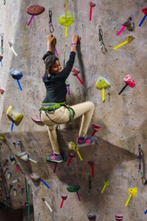 Indoor-Rock-Climbing-17