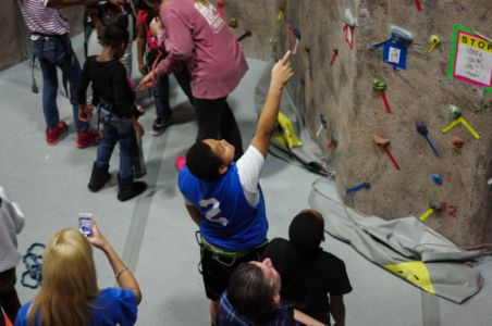 Indoor-Rock-Climbing-19