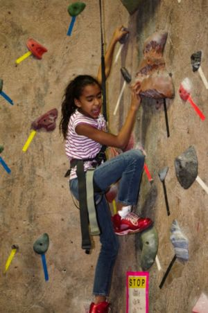 Indoor-Rock-Climbing-24