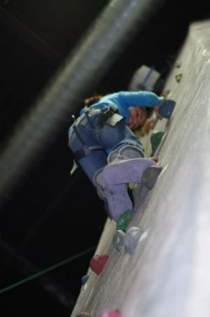 Indoor-Rock-Climbing-25