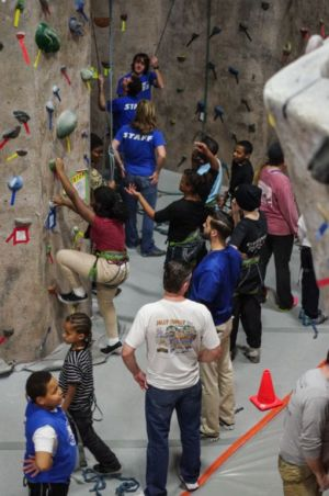 Indoor-Rock-Climbing-29
