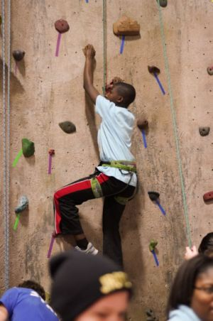 Indoor-Rock-Climbing-6