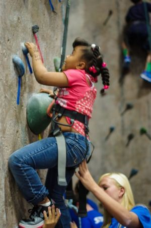 Indoor-Rock-Climbing-9